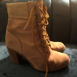 Timberland Tan Suede Heeled Lace-up Boot - Sz 8.5